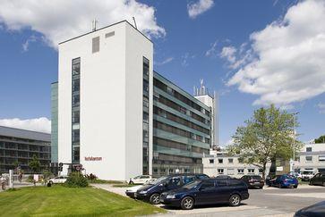 Universitätsklinikum Bonn: Bettenhaus 1 mit Notfallzentrum
