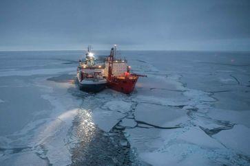 FS Polarstern und Akademik Fedorov Quelle: Foto: Alfred-Wegener-Institut / Esther Horvath, CC-BY 4.0 (idw)