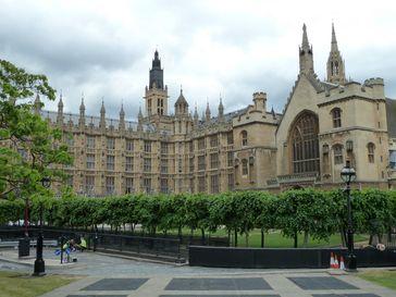 Palast von Westminster (Rückseite): Sitz des Britischen Parlamentes