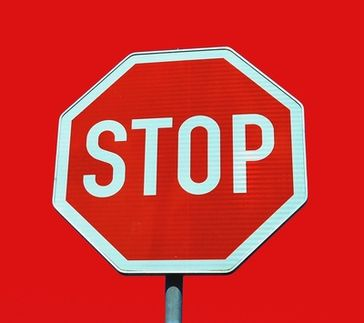 STOP !