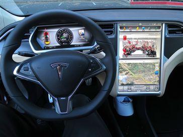 Innenraum eines Tesla Model S