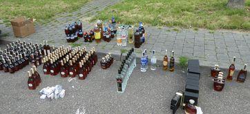 Sichergestellt: 142 Liter Alkohol Bild: Zoll