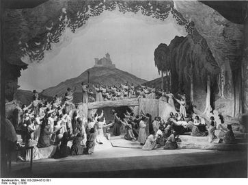 Schluss der Tannhäuser-Inszenierung der Bayreuther Festspiele 1930[1]