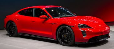Der Porsche Taycan ist ein batterieelektrischer Sportwagen des Automobilherstellers Porsche.