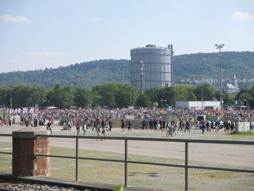 Demonstration in Stuttgart am 09.05.2020 mit über 30.000 Menschen