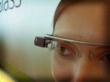 Google Glass Prototyp auf der Entwicklerkonferenz Google I/O im Juni 2012
