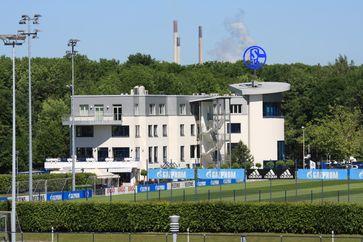Die Geschäftsstelle des FC Schalke 04 in der Nähe der Veltins-Arena