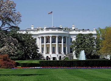 Außenansicht des Weißen Hauses (Mittelbau, Südansicht.
