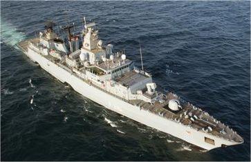 Die Fregatte F 215 Brandenburg während des EU geführten Anti-Piratier Einsatzes ATALANTA auf See. Bild: Marine