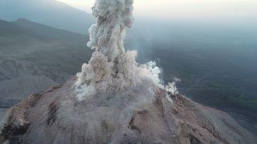 Bilder vom Überflug über den Vulkan Santa Maria in Guatemala. Quelle: Zorn et al. 2020 (idw)