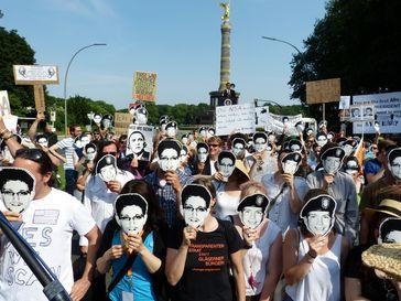 Edward Snowden: PRISM-Demo der Piratenpartei zum Besuch des amerikanischen Präsidenten Barack Obama
