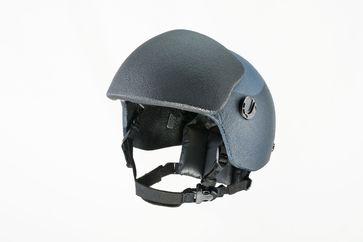 """Weltweit erster VPAM-6-Kopfschutz bestehend aus Stirnschild und Titan-Aramid-Helm (Hybrid) der Prüfstufe VPAM 4+ Bild: """"obs/ULBRICHTS Witwe GmbH/ULBRICHTS Protection"""""""