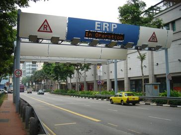 "City-Maut: ""Electronic Road Pricing"" in Singapur"
