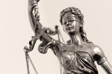 Blinde Justizia kann nichts erkennen und somit kein Recht sprechen (Symbolbild)