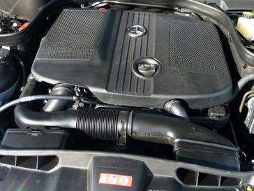 Der Motor OM 651 ist ein Dieselmotor mit vier Zylindern in Reihe von Mercedes-Benz, der im Oktober 2008 im Modell C 250 CDI BlueEFFICIENCY vorgestellt wurde.