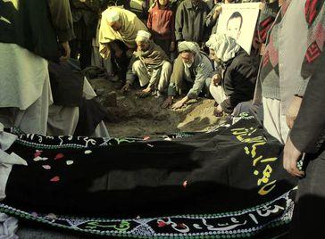 Beerdigung mit Sarg in Afghanistan (Symbolbild)