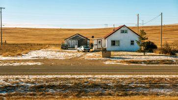 "Haus in Montana - Blick aus dem Zugfenster Bild: ""obs/3sat/ZDF/ORF/Filmgut Thomas Zeller"""