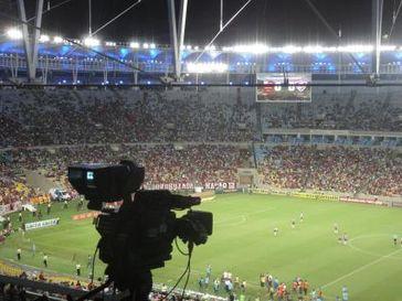 """Am 13. Juli 2014 blickt die ganze Welt auf das rausgeputzte Maracanã-Stadion in Rio de Janeiro. Dort findet dann das Finale der FIFA WM statt. Dass Deutschland hier als Weltmeister vom Platz gehen wird, liegt statistisch weit unter 10%. Bild: """"obs/DFI - Deutsches Fussball Institut/Claudio Monteiro"""""""