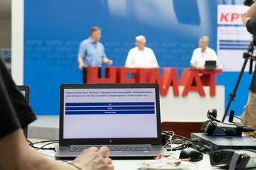 Digitale Abstimmung auf der Bundesvertreterversammlung der KPV am 19.6.2021.  Bild: Kommunalpolitische Vereinigung der CDU und CSU Deutschlands Fotograf: Bernhardt Link