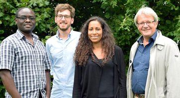 Die Forschergruppe: Emmanuel Ndahayo, Lars Wissenbach, Marie-Christine Ofori und Prof. Dr. Johannes Schädler (v.l.) Quelle: Universität Siegen (idw)