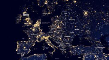Stromausfall, Stromabstellen & Blackout: Dies findet immer öfter in Deutschland statt. Deaktivierung von Gas, Kohle und Atomkraft und ungepufferte Solar- und Windkraft, heizen den Trend scharf an (Symbolbild)