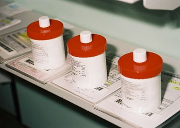 """Individuell angefertigte Rezepturarzneimittel sind für viele Patienten unentbehrlich. Quellenangabe: """"obs/ABDA Bundesvgg. Dt. Apothekerverbände/Quelle: Abda"""""""