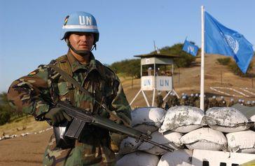 """UNO: Bolivianischer """"Blauhelm""""-Soldat bei einer Übung in Chile"""