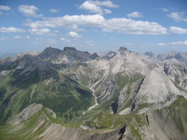 Blick vom Stanskogel auf die zentralen Lechtaler Alpen