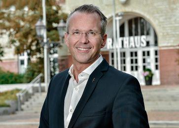 Nikolas Häckel, Bürgermeister der Gemeinde Sylt  Bild: DUB UNTERNEHMER-Magazin Fotograf: DUB UNTERNEHMER-Magazin