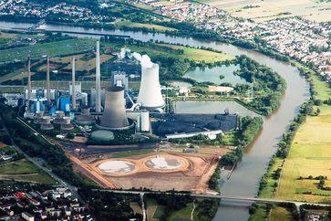 Luftbild des Kraftwerks Staudinger Großkrotzenburg
