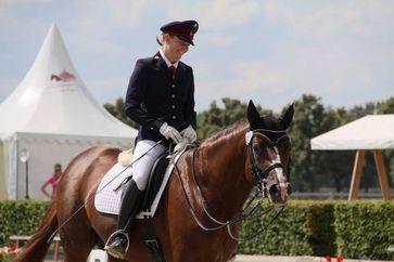 Ob Frau oder Mann ein Pferd reiten, macht für das Tier keinen Unterschied. Quelle: Foto: Dr. Juliane Kuhl/Vetmeduni Vienna (idw)