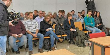 Gerichtsbeobachter im Landgericht Halle/Saale im Prozeß gegen den König von Deutschland (Symbolbild)