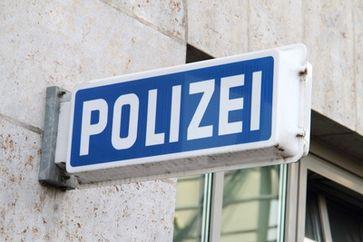 Polizeischild (Symbolbild)