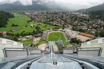 Garmisch-Partenkirchen: Blick von der Großen Olympiaschanze