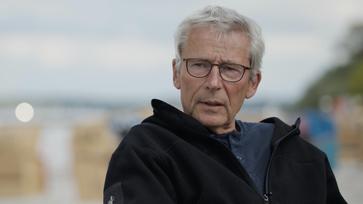 Dr. Klaus Köhnlein (2021) Bild: Screenshot: Vimeo/Gunnar Kaiser / WB / Eigenes Werk