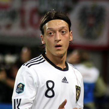 Mesut Özil im Juni 2011
