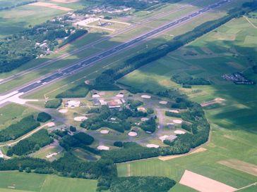 Der Fliegerhorst Büchel ist ein Fliegerhorst der deutschen Luftwaffe. Der Fliegerhorst liegt bei Büchel im Landkreis Cochem-Zell in Rheinland-Pfalz und dient dem Taktischen Luftwaffengeschwader 33 (TaktLwG 33) als Basis.
