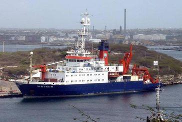 Die Meteor im Hafen Foto: Prof. Dr. Martin Meschede