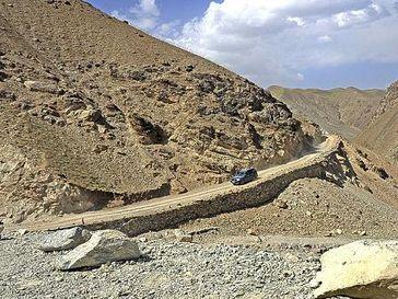 Bergstraße in Afghanistan. Bild: Bundeswehr/Stollberg/Martin Sollberg