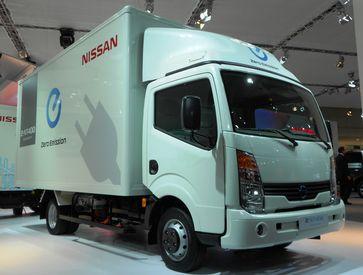 Vollelektrischer Kühllastwagen Nissan e-NT400