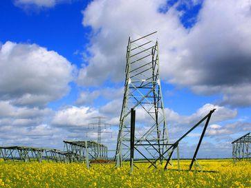 Stromnetzausbau und Stromleitungen (Symbolbild)