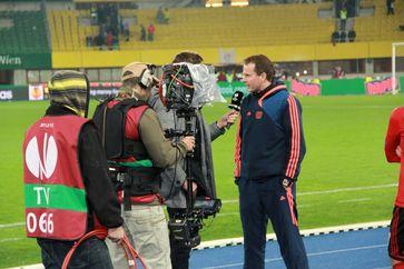 Sascha Lewandowski beim Interview (2012)