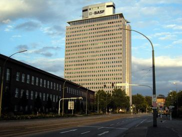 BASF Hochhaus in Ludwigshafen (Symbolbild)