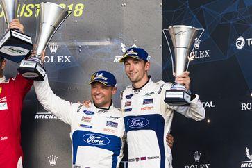 Die Briten Andy Priaulx (links) und Harry Tincknell wurden im Ford GT mit der Startnummer 67 Zweite der 6 Stunden von Silverstone und feierten ihren ersten Podestplatz der laufenden WEC-Saison.