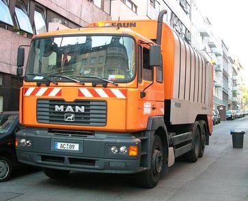 Müllfahrzeuge dienen dem Sammeln und Transportieren von Abfällen.