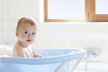 Volles Badevergnügen für Ihr Baby Bild: Wort & Bild Verlag Fotograf: GettyImages_E+
