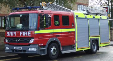 Eine Dual-purpose ladder (DPL) der London Fire Brigade.