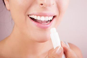 Pflege für trockene Lippen im Winter