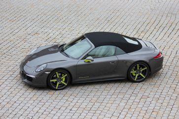 Bild des gestohlenen Porsche 911 - Hinweise an die Polizei 02131 300-10 Bild: Polizei