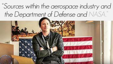 "Screenshot aus dem Video ""Tom DeLonge - 2017 - UFO Researcher of the Year Award"""